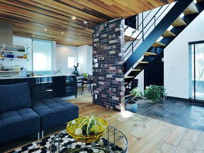 デザイン性と快適性を兼ね備えた家
